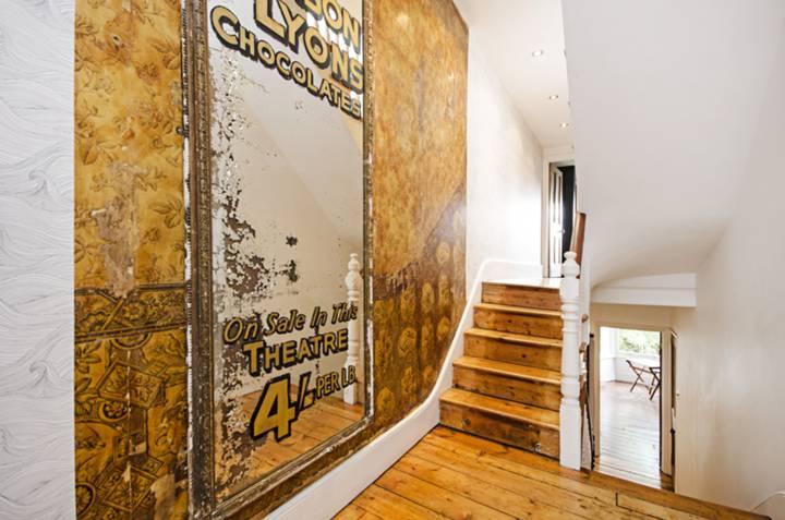 Hallway in E5