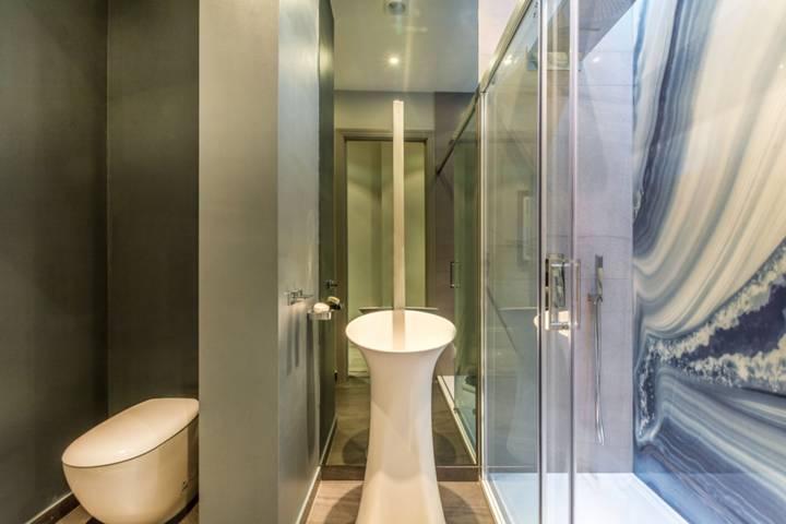 Shower Room in W1U