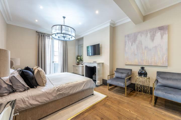 Master Bedroom in SW10