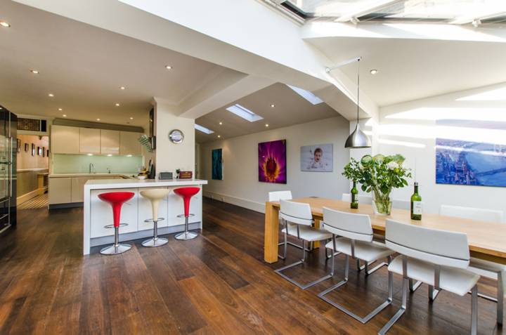 Kitchen/Dining Room in SW11