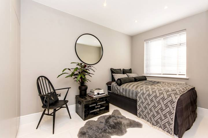 Master Bedroom in NW10