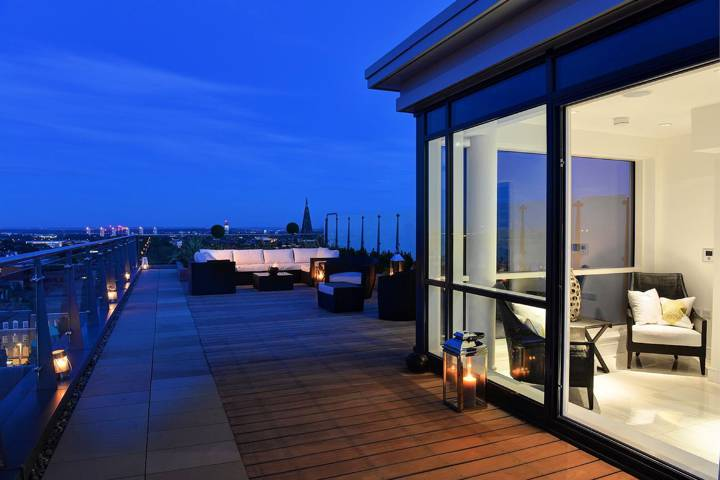 Roof Terrace in W5