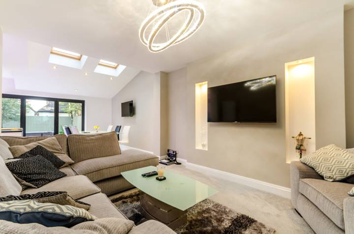 Living Room in KT3