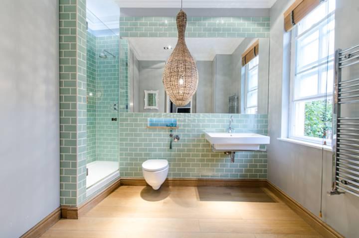 En Suite Shower Room in SW5