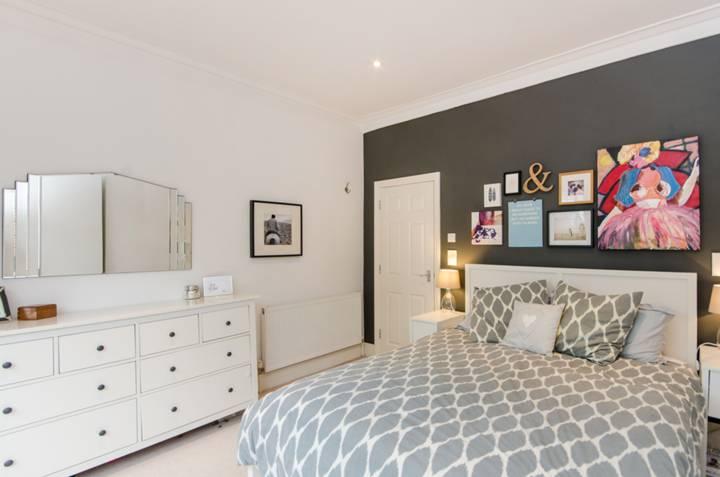 Master Bedroom in SW16