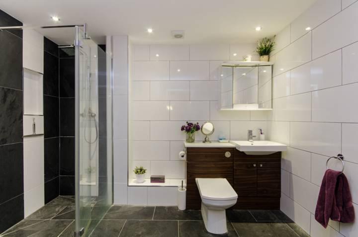 Shower Room in SW6