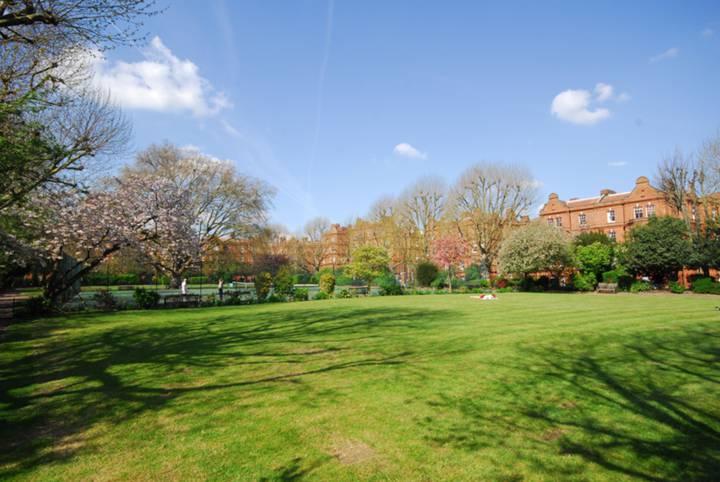 Queens Club Gardens, Barons Court