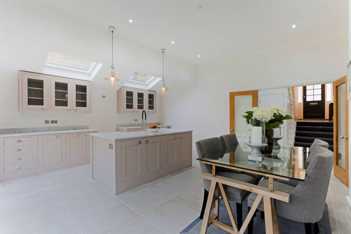 Kitchen/Dining Room in SW2
