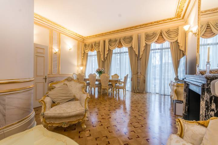Reception Room in W2