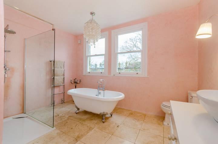Bathroom in E7