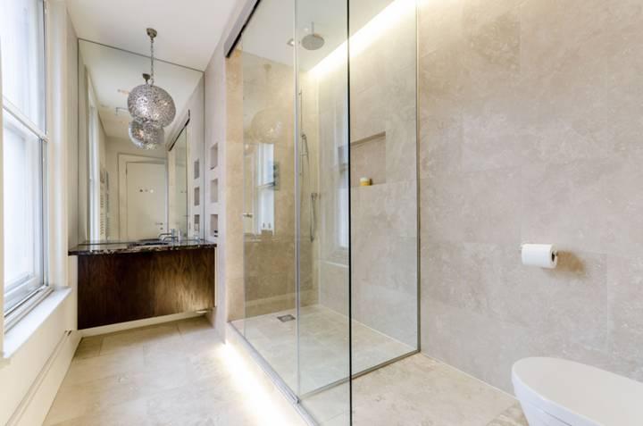 Shower Room in SW5
