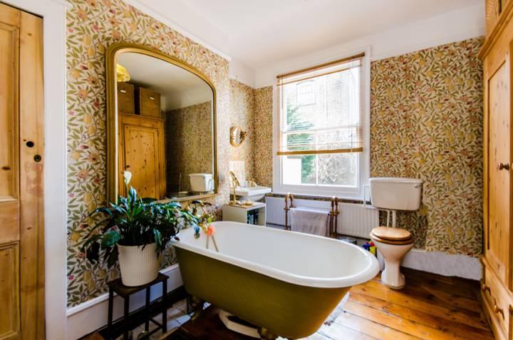 En Suite Bathroom in SE5
