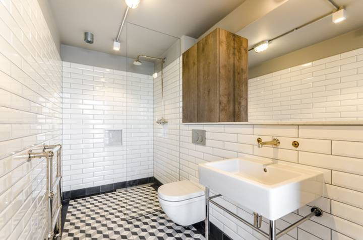 En Suite Bathroom in EC2A