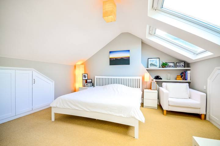 Bedroom in N10