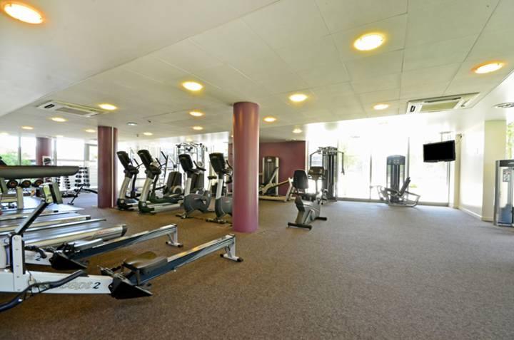 <b>Communal Gym</b><span class='dims'></span>