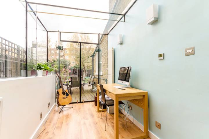 Conservatory in SW18