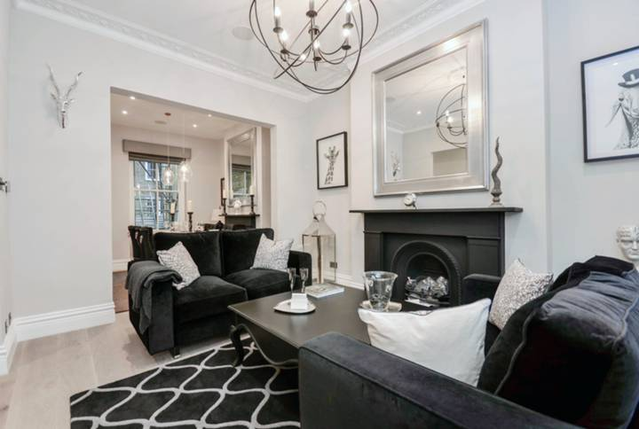 Double Reception Room in SW10