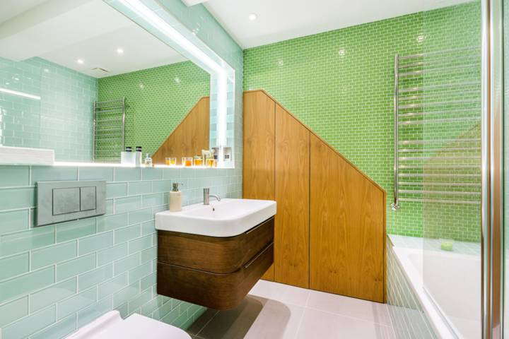 Shower Room in W10