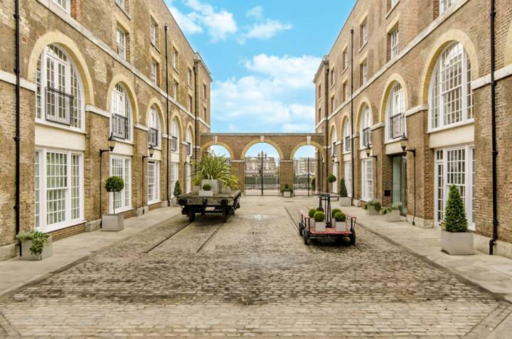 The Listed Building, Wapping