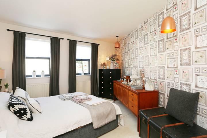 Master Bedroom in SE18