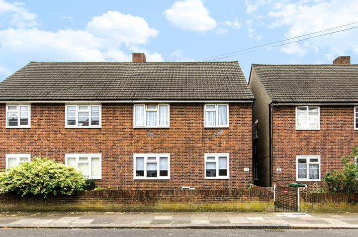 Cambray Road, Hyde Farm Estate