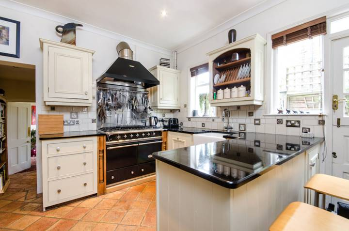 Kitchen/Breakfast Room in SW19