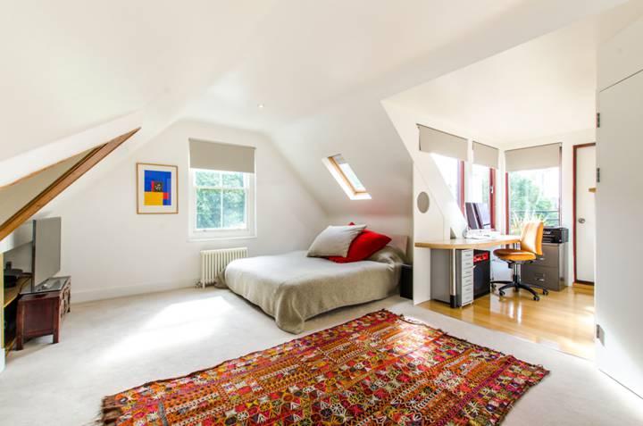 Master Bedroom in SW11
