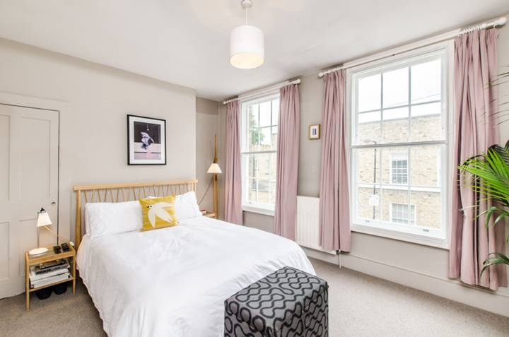 Master Bedroom in E14