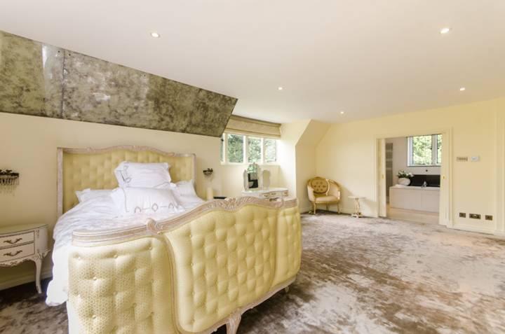 Master Bedroom in SW20