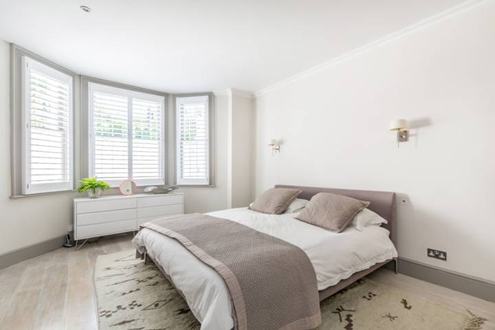 Master Bedroom in W14