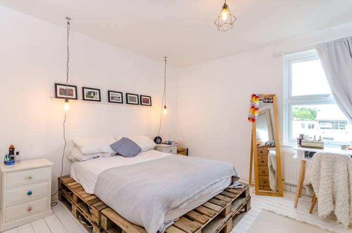Master Bedroom in GU1