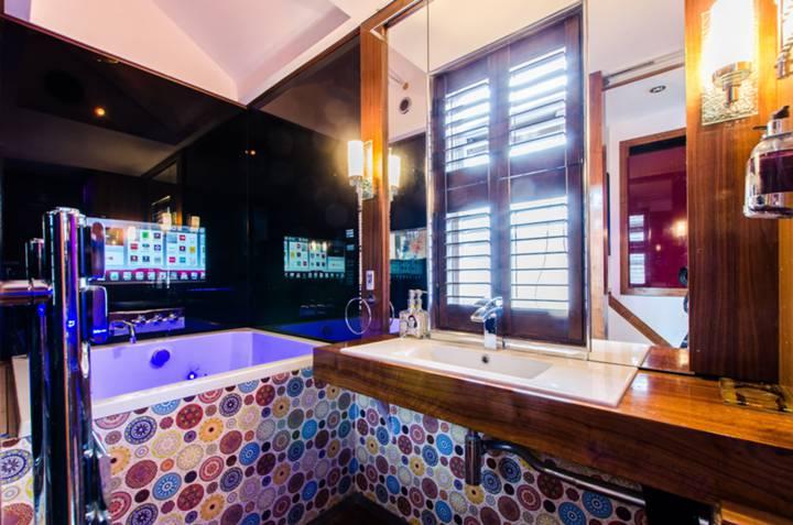 Bathroom in E3