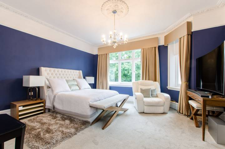 Master Bedroom in SW9