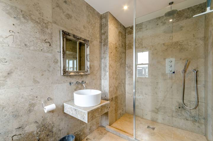 En Suite Shower Room in SW19