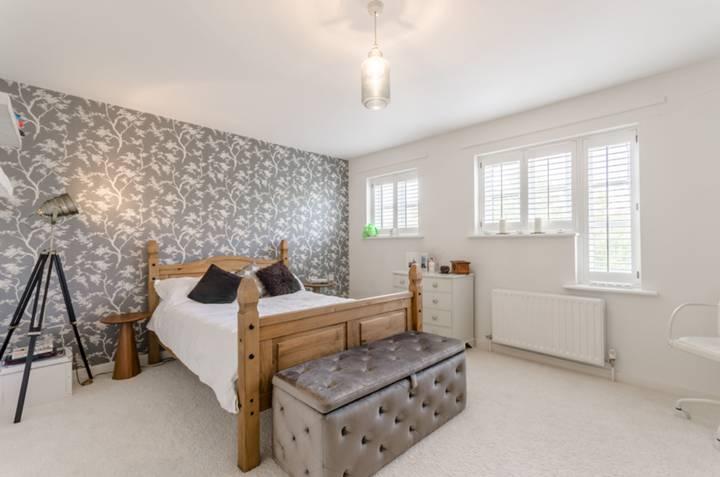 Master Bedroom in E17