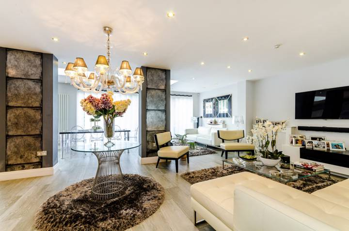Second Reception Room in SW15