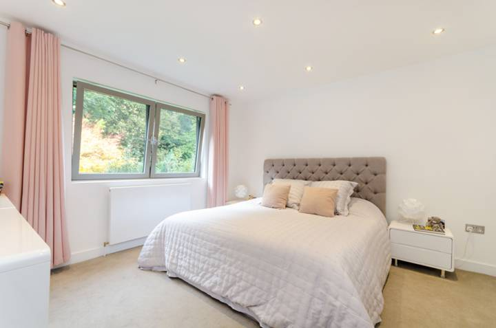 Master Bedroom in SW15