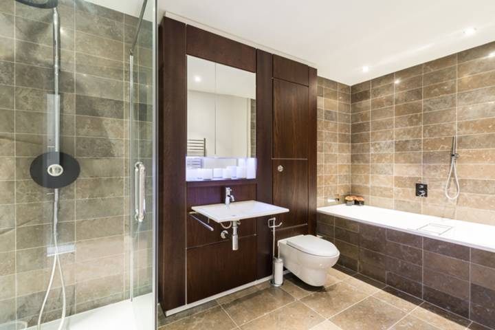 En Suite Bathroom in SW1E