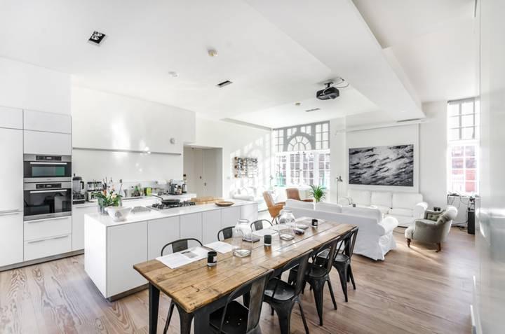 Kitchen in WC2E
