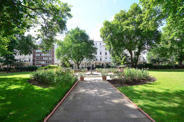 St Georges Square, Pimlico