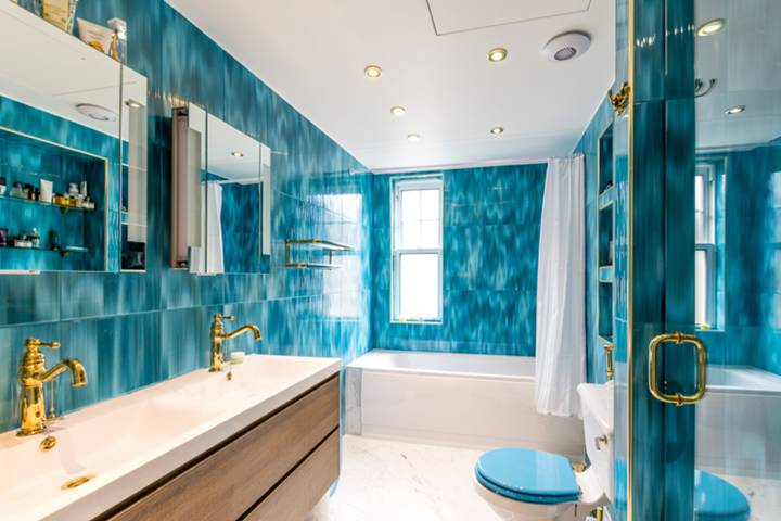 Bathroom in SW1V