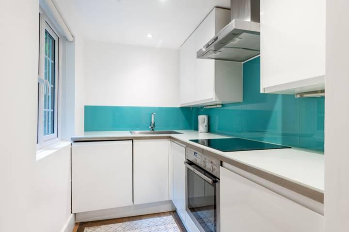 <b>Kitchen</b><span class='dims'> 7&#39;11 x 5&#39;5 (2.41 x 1.65m)</span>