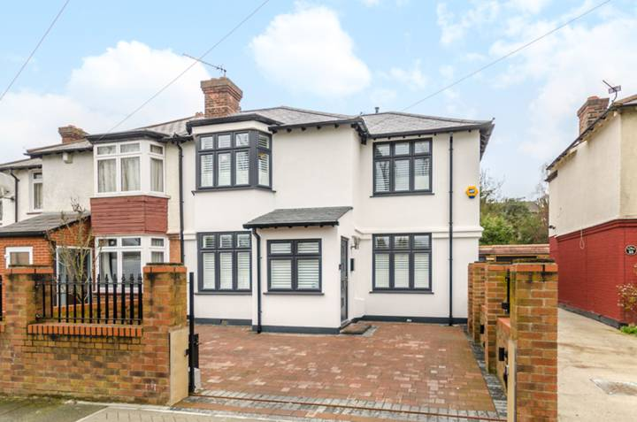 Calmont Road, Bromley