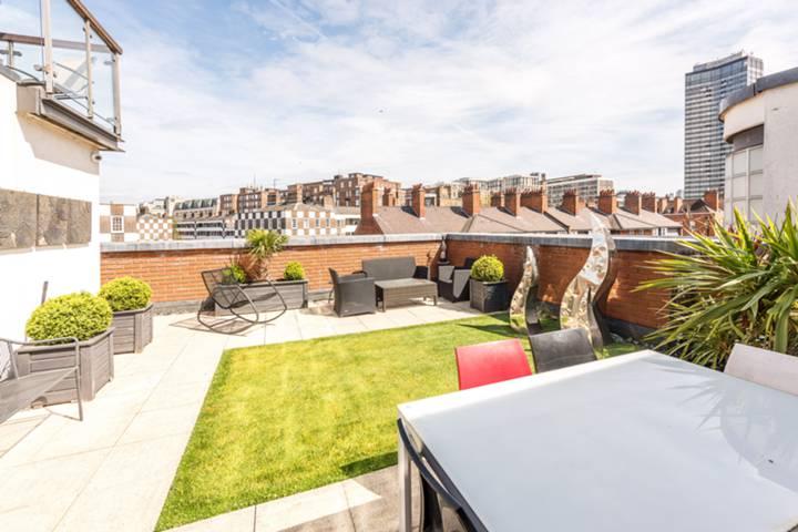 Roof Terrace in SW1P