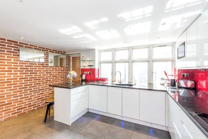 Kitchen in SW1V