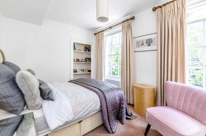 Master Bedroom in EC1V