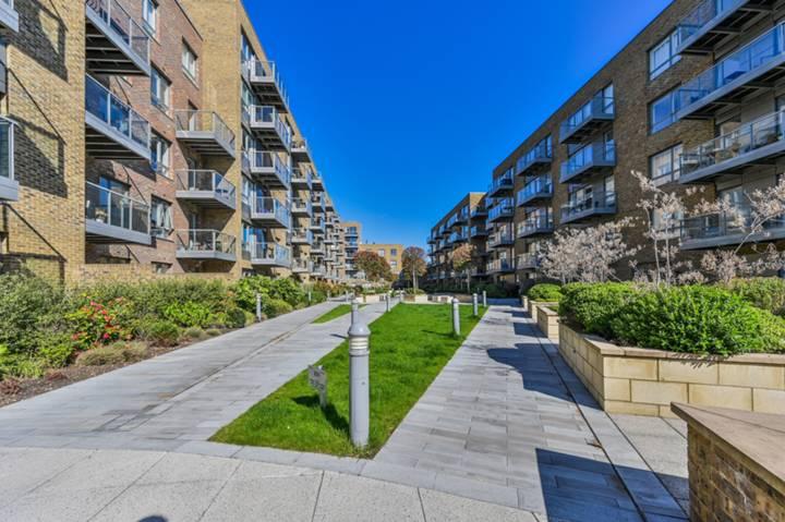 <b>Terrace</b><span class='dims'></span>