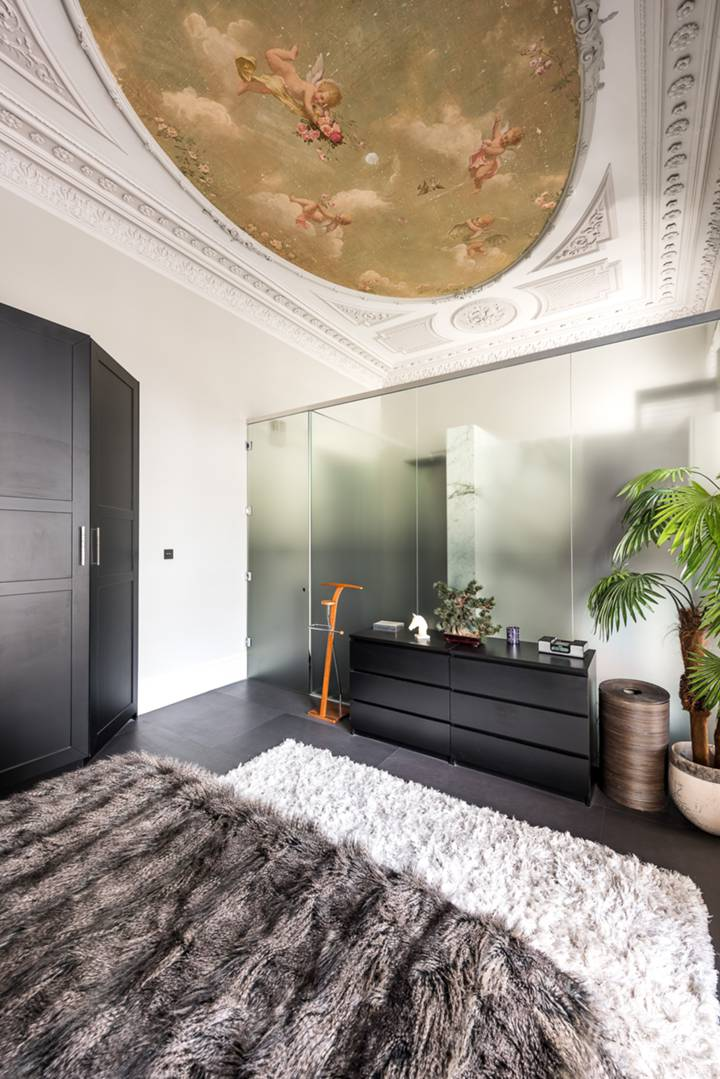 Bedroom in SW7