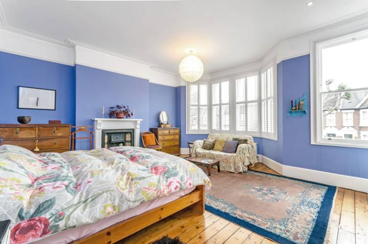 Master Bedroom in SE6