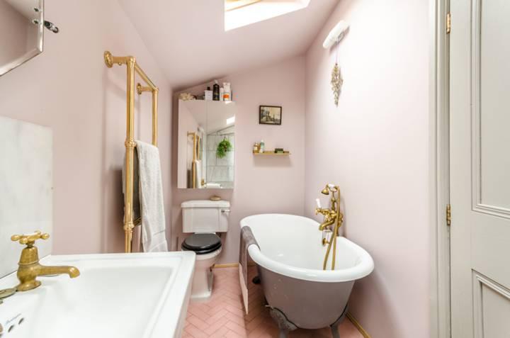 Bathroom in SE15